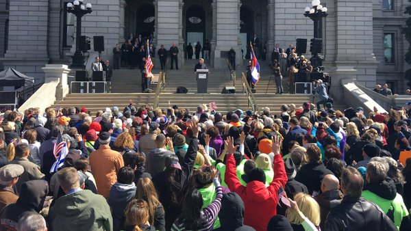 Franklin Graham speaks to a crowd at the Capital Steps in Denver March 15, 2016